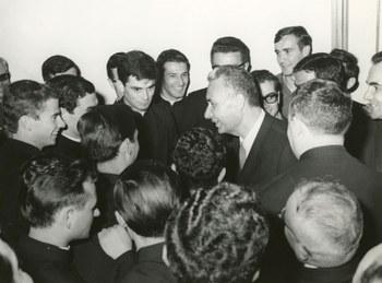 """Visita alla tipografia del periodico """"Famiglia Cristiana""""  Alba (Cuneo), 16 settembre 1959  Centro documentazione Archivio Flamigni, Fondo Aldo Moro, Fotografie"""