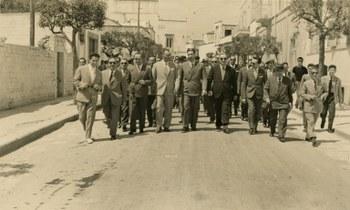 Ad Alberobello  Alberobello (Bari), 24 maggio 1956  Centro documentazione Archivio Flamigni, Fondo Aldo Moro, Fotografie