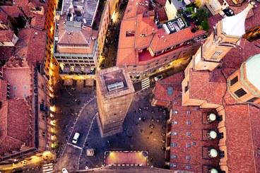 Upside Down, Torre degli Asinelli. UniboLife 2018 Foto di Andrea la Civita