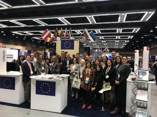 Group picture of the European Commission stand during AAAS. #EUatAAAS